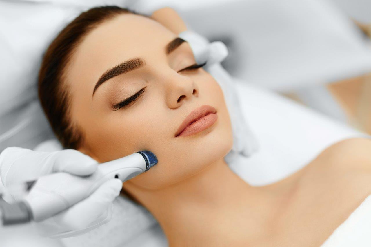 ParkAve CosmeticCenter (@parkavecosmetic) Cover Image