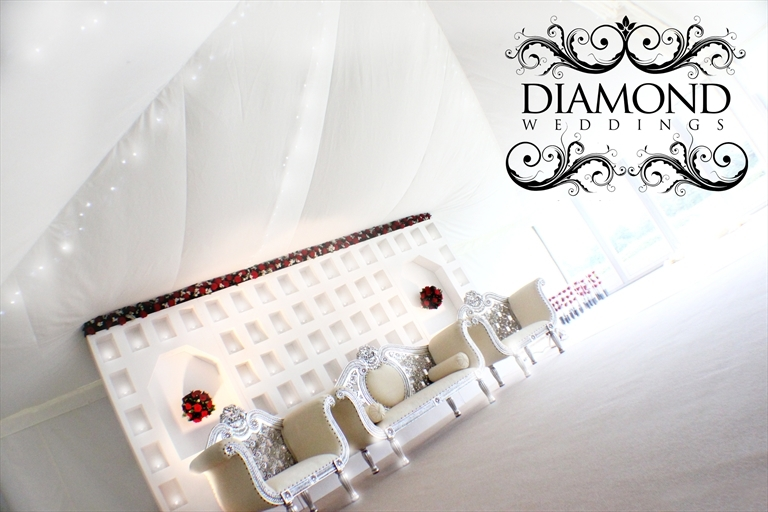 Diamond Weddings (@diamondweddings) Cover Image