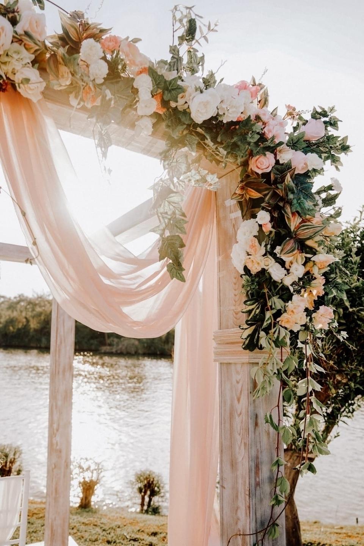 Nava & LightCUBE Wedding (@navalightwedding) Cover Image
