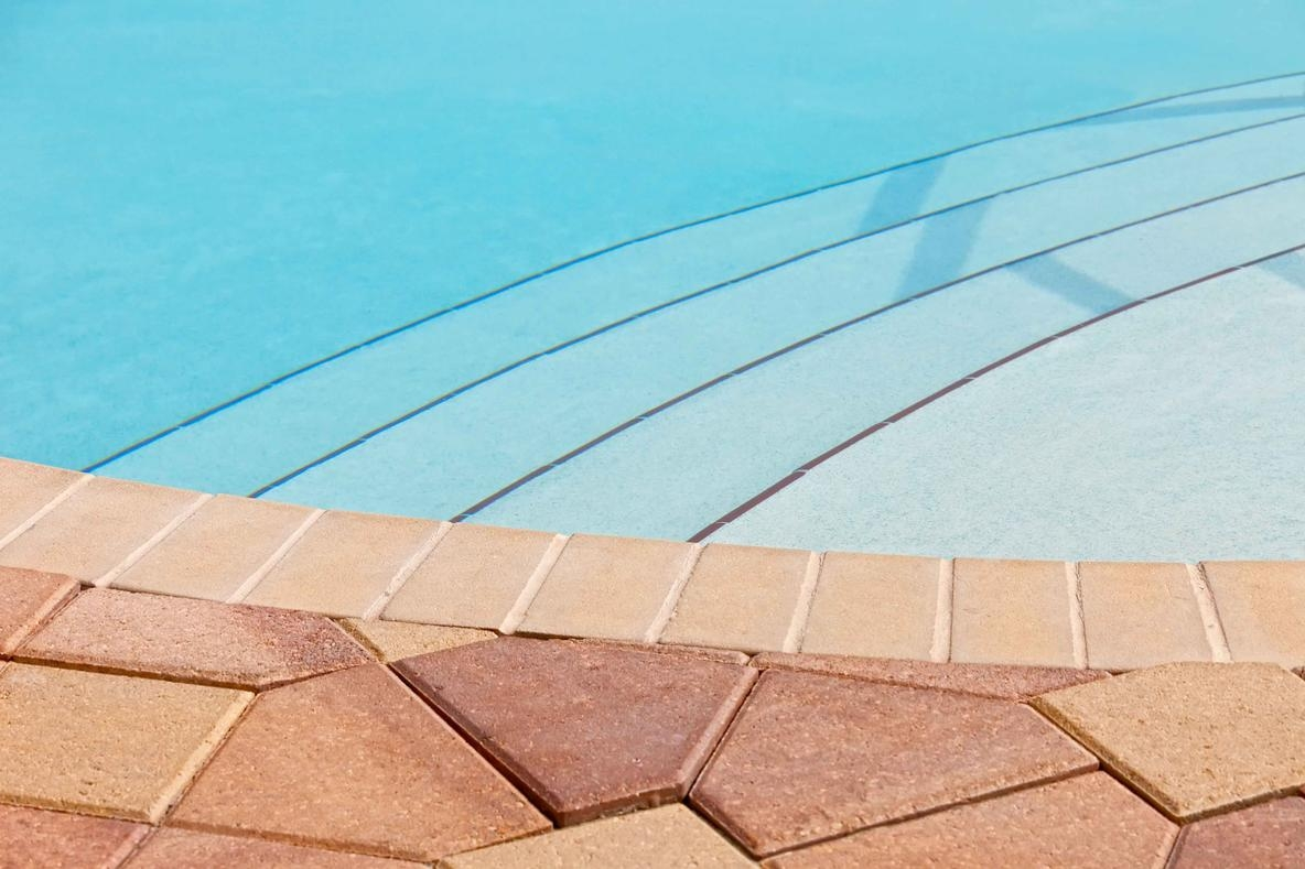 Oliveira Pavers: Brick Pavers Installation (@oliveirapavers) Cover Image
