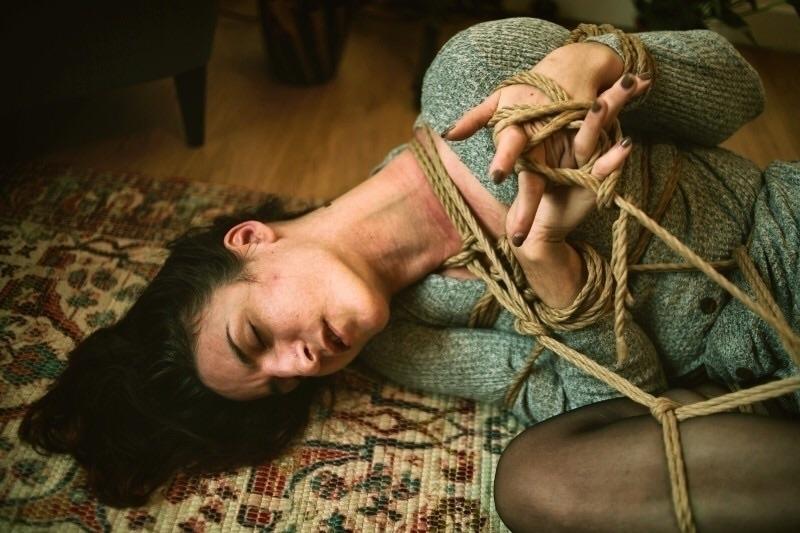 Anna Bones (@annabones) Cover Image