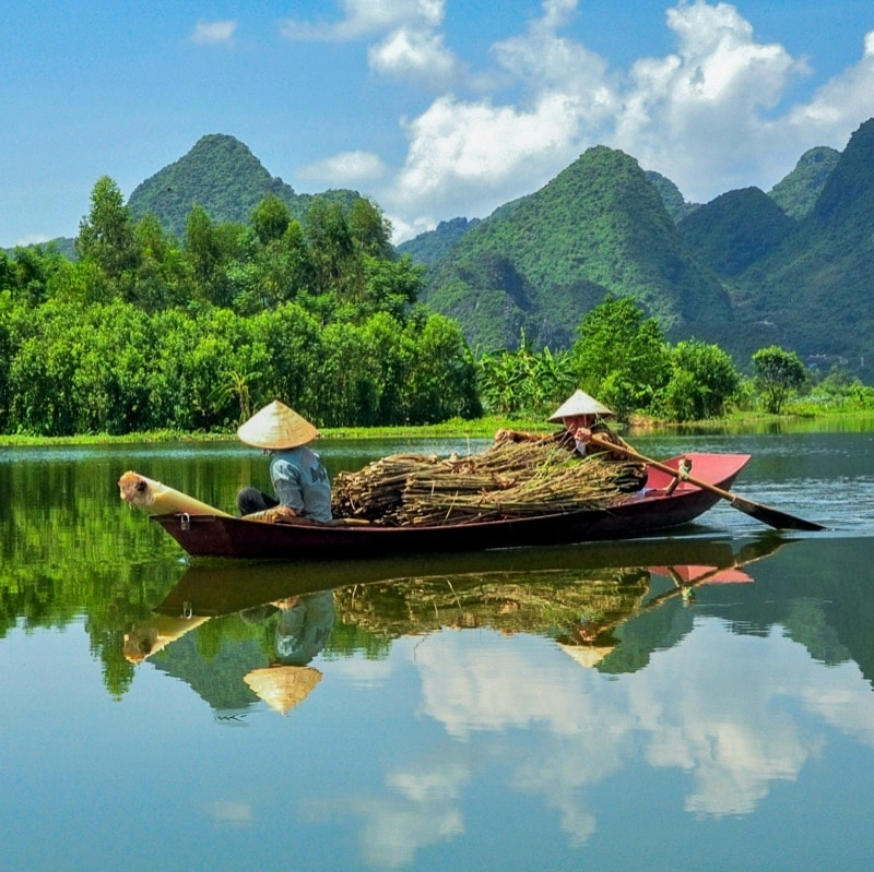 Day trips from Hanoi (@daytripsfromhanoi) Cover Image