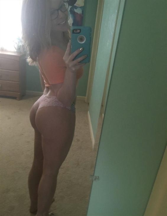 Brittany Zimbabwe (@brittany_zimbabwe) Cover Image
