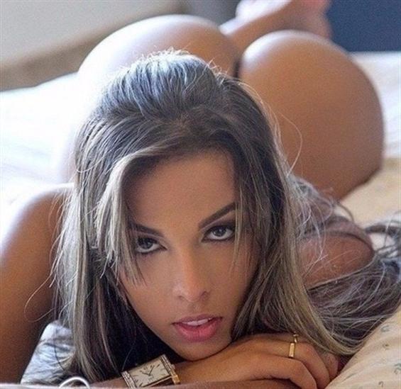 (@melinda_italy) Cover Image