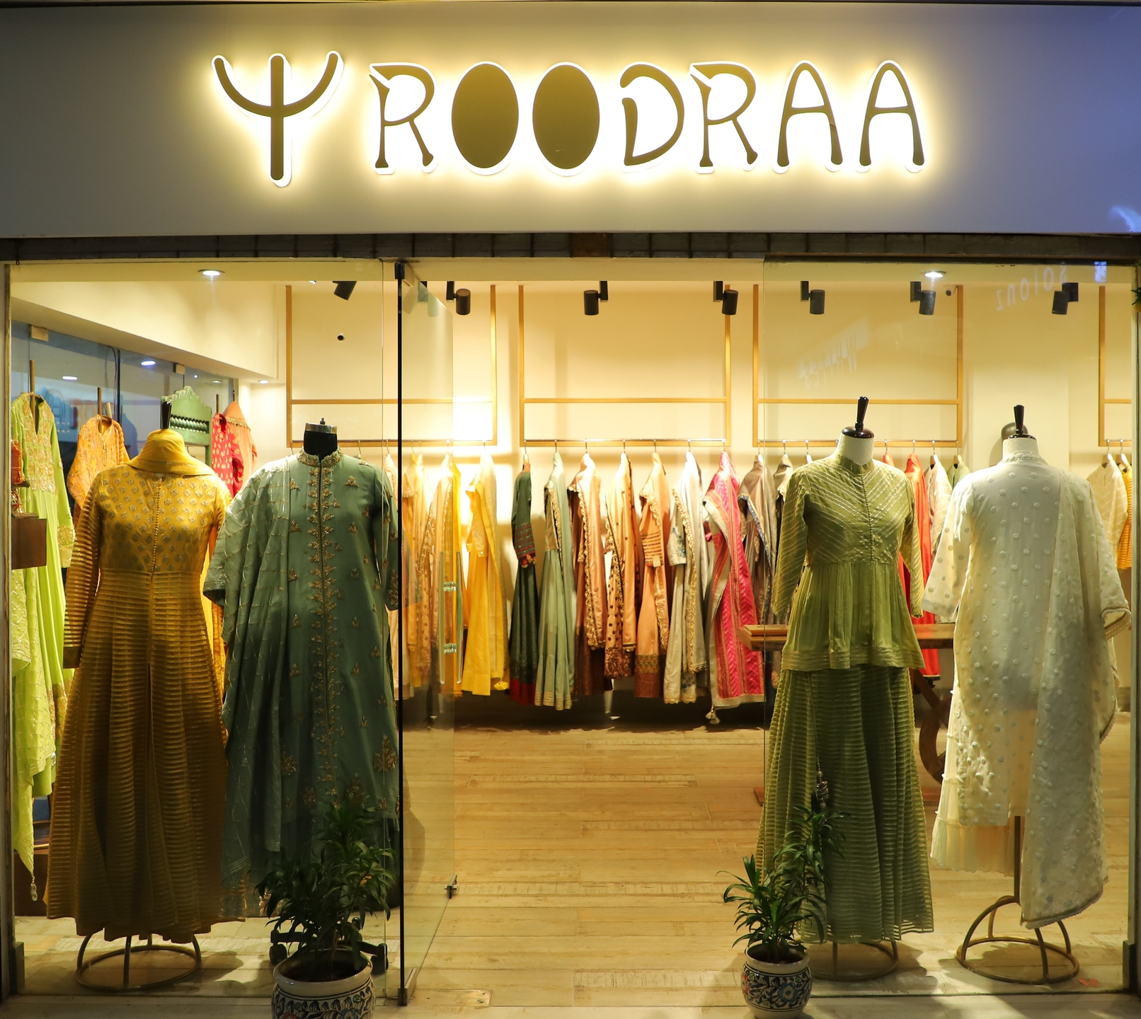 Roodra Womens  (@roodrafashionstore) Cover Image