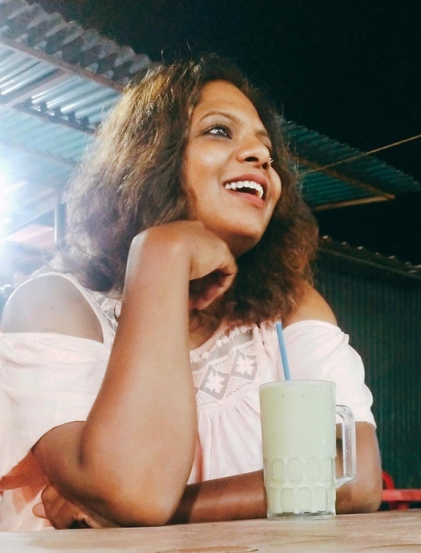 Ayesha (@aforayesha) Cover Image
