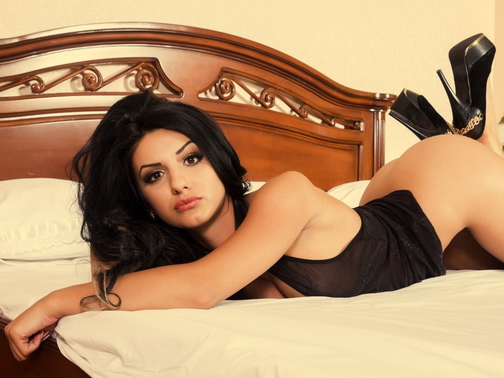 Neha Thakur (@bangaloreonline1) Cover Image