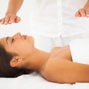 Yulli Therapeutic Massage (@yullitherapeuticmassage) Cover Image