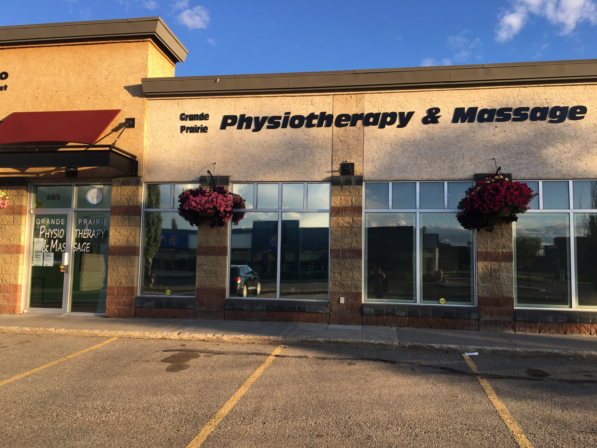 Grande Prairie Physiotherapy and Massage (@physiotherapymassage) Cover Image