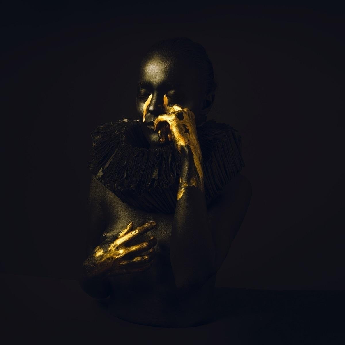 Laus Black (@lausblack) Cover Image