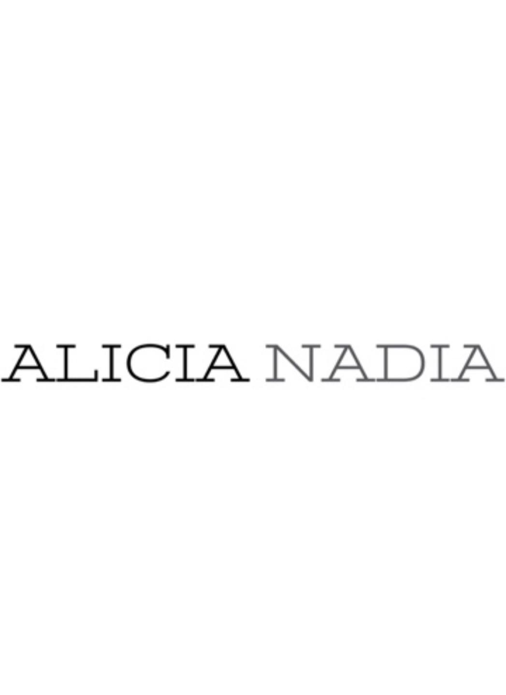 Alicia Nadia (@alicianadia) Cover Image