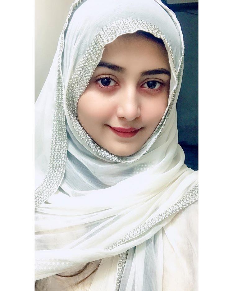 Sana (@sanakarim3344) Cover Image