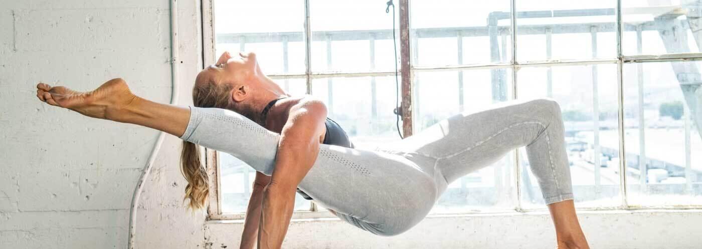 Yoga Pose (@yogaaposes) Cover Image