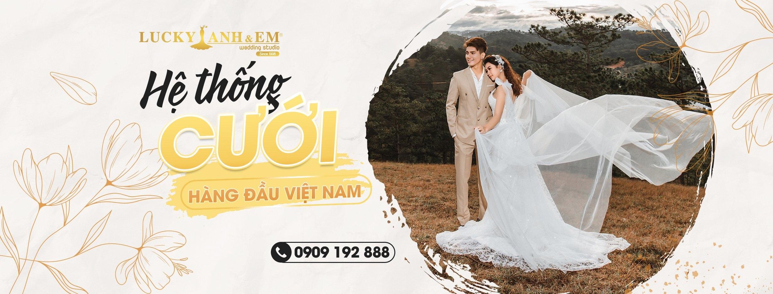 Lucky Anh & Em (@luckyanhvaemcom) Cover Image