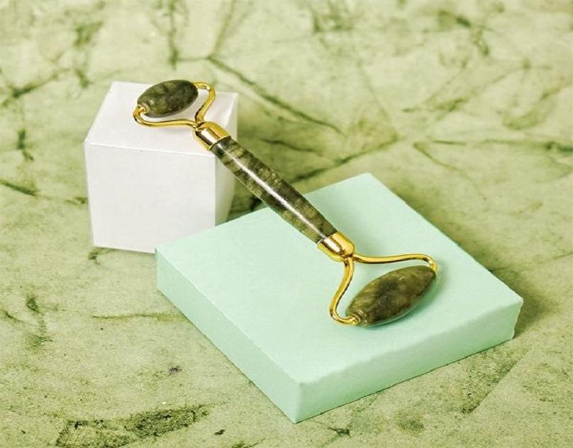 How to Use Jade Spike Roller? - Dromen & Co (@dromenco-) Cover Image